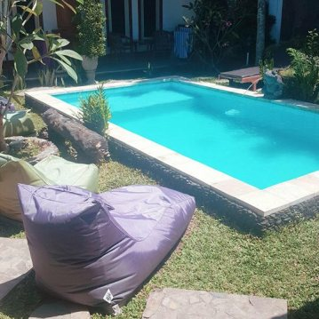 Comfy bean bags and pool at Casa D'Sami.